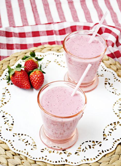 receta de batido fácil de fresas
