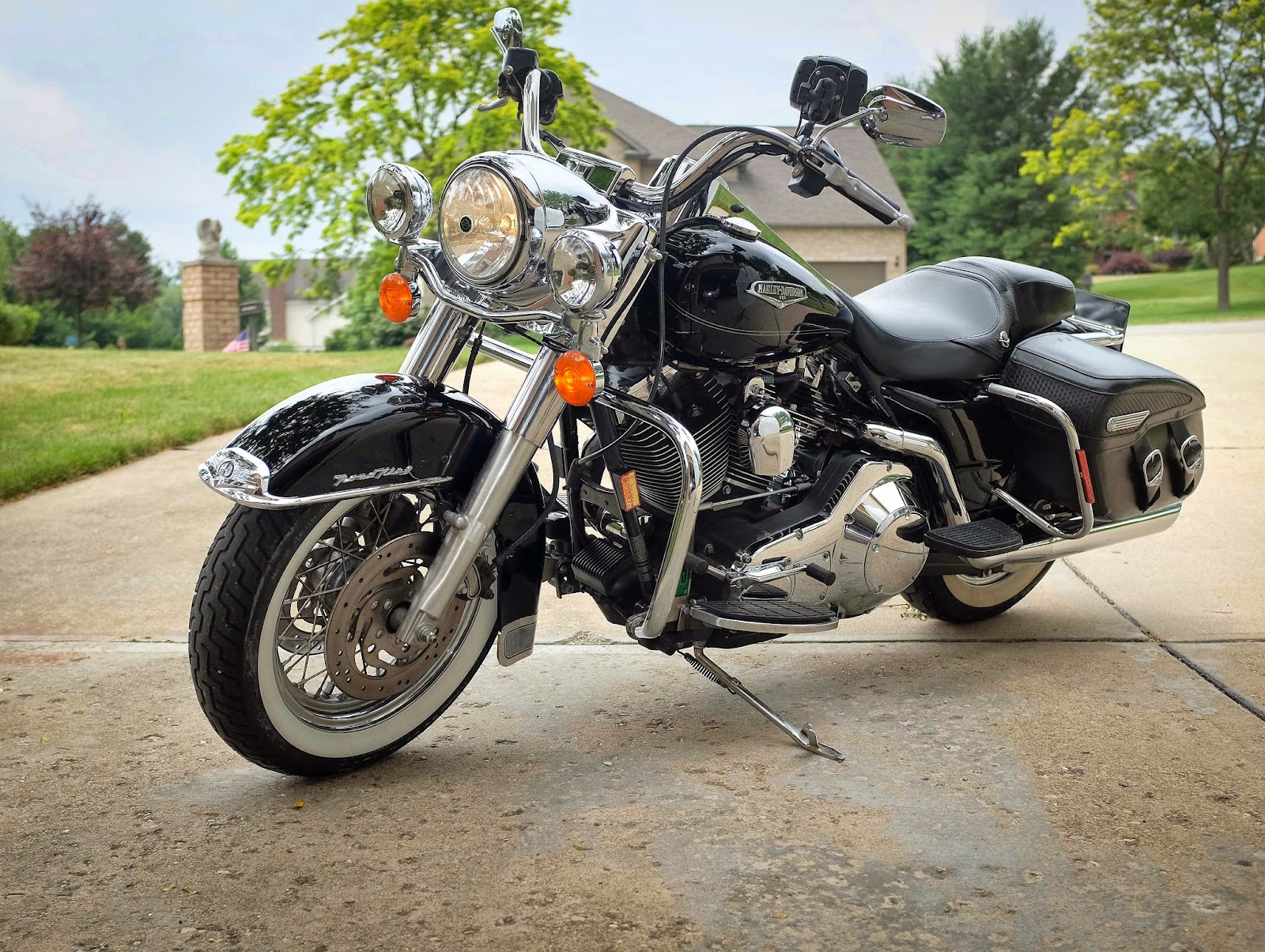 for sell 2005 road king classic. Black Bedroom Furniture Sets. Home Design Ideas