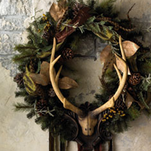 Eye for design decorating with antlers rustic and for Antler christmas wreath
