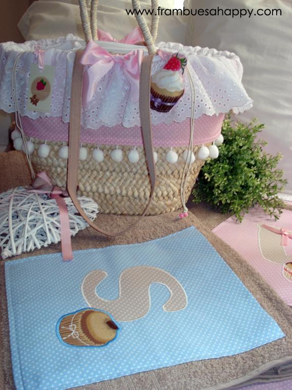 Frambuesa happy cesta de palma con toallas que dulce - Cestos de palma ...