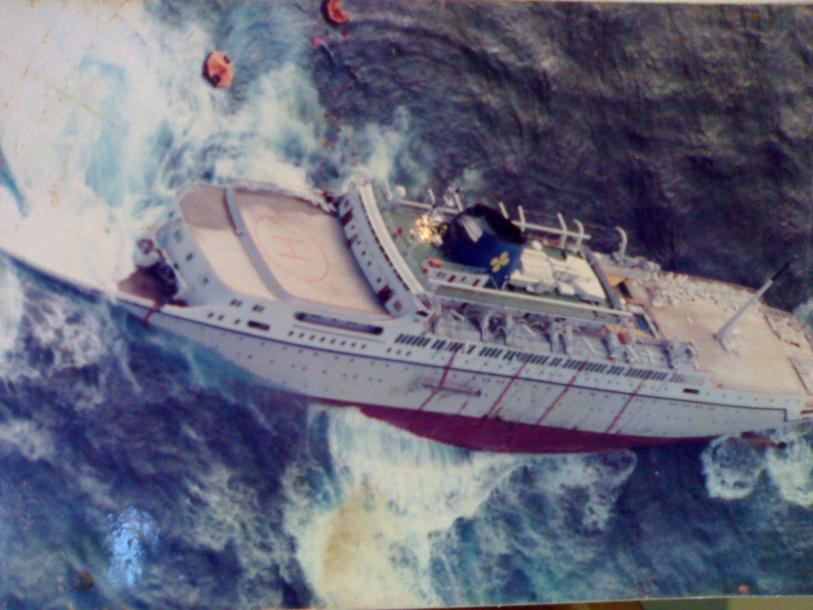 Oceanos Cruise Ship Sinking Fitbudhacom - Sinking cruise ship oceanos