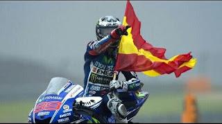 MOTO GP - Lorenzo venció en Valencia y logra su tercer título de la categoría reina. Rossi remontó pero no sirvió para subir al podio