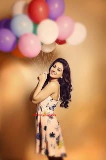 Aksha Pardasany 11.jpg