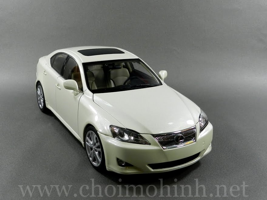 Lexus IS 350 2006 1:18 AUTOart white