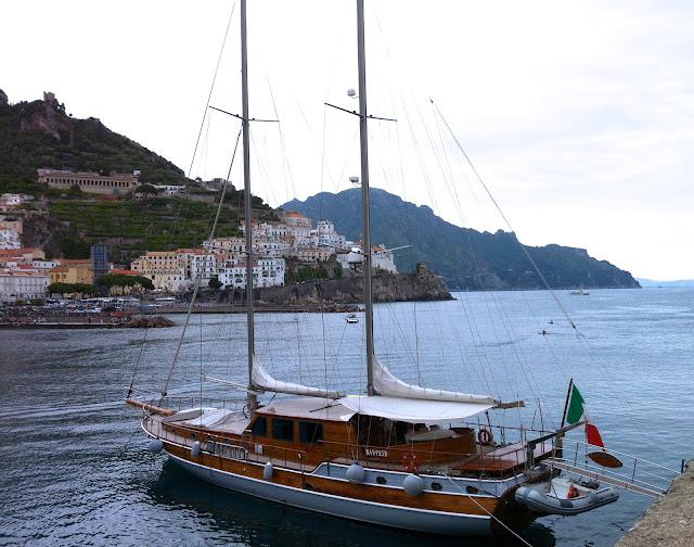 amalfi_barca_mare