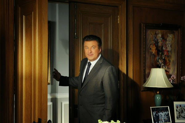 filipino senator threatens alec baldwin with beating