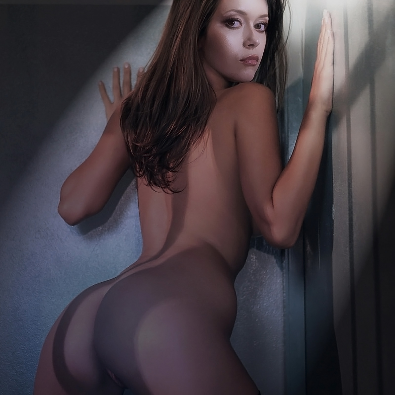 Summer Glau Nude Ass Naked