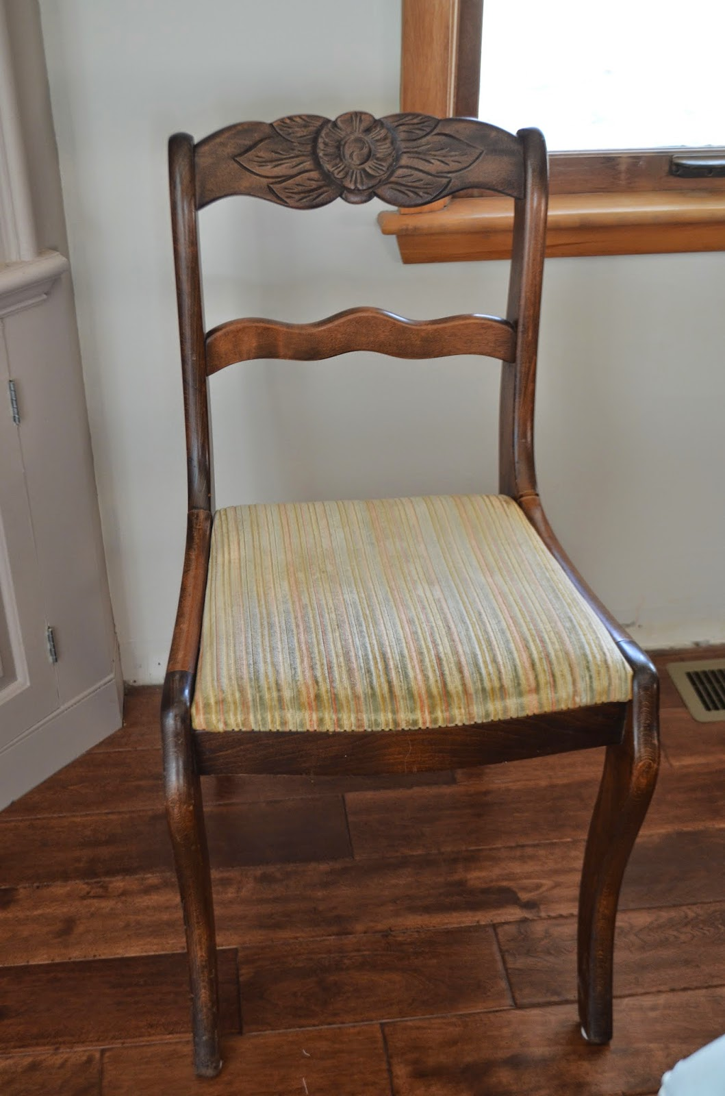 The tucker times diy dining room chair covers for Dining room chair covers