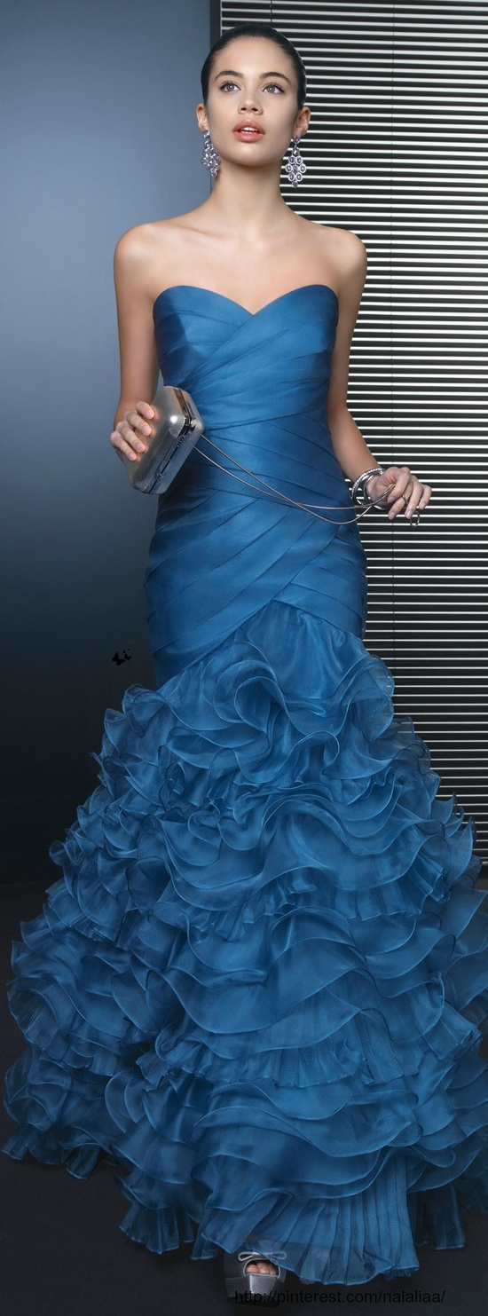 Adorable party dress for ladies