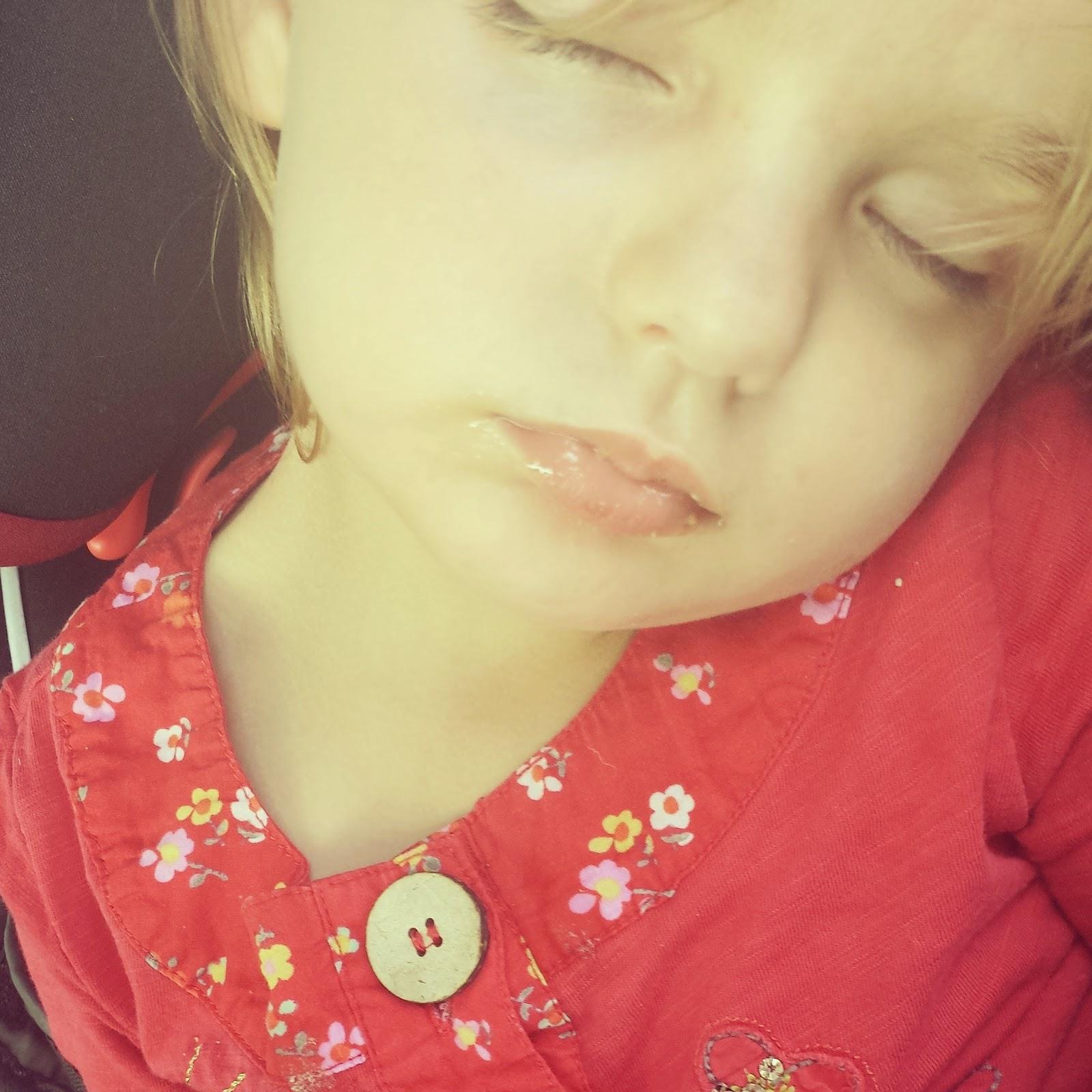 Izzy Sleep Bedding