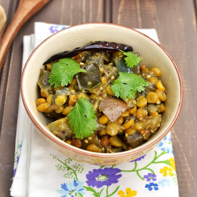 Iguru/ Vankaya-Senagapappu Iguru (Eggplant-Chana Dal Curry)