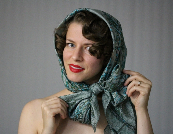 How to Tie a Vintage Scarf #hair #vintage #scarf #diy #tutorial
