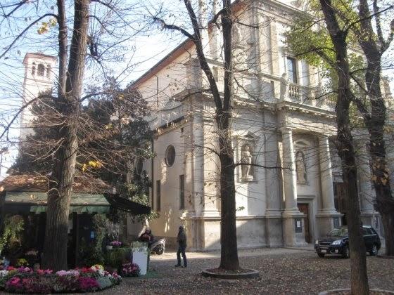 pasquetta tra fiori e piante a Milano con la Fiera di Sant'Angelo