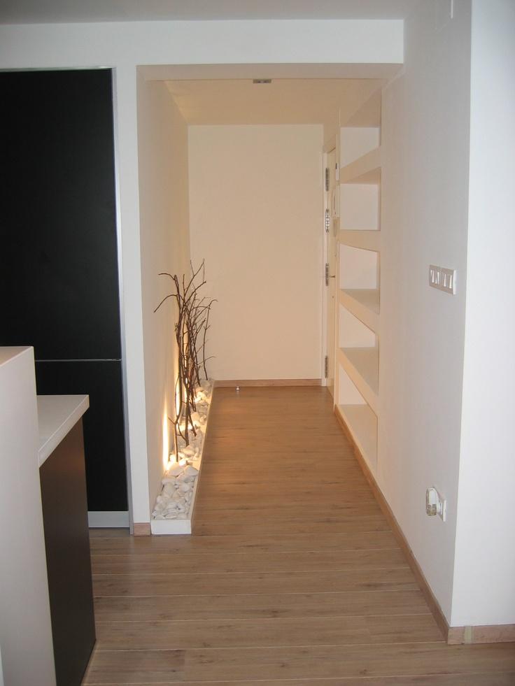 Decoracion recibidores y pasillos - Como decorar un pasillo pequeno ...