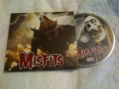 Misfits-The_Devils_Rain-2011-FNT
