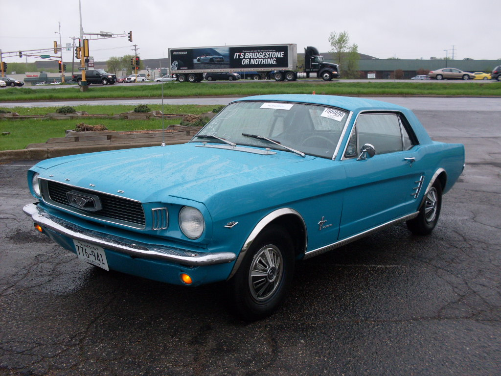 Ride Auto 1966 Ford Mustang V8 Blue