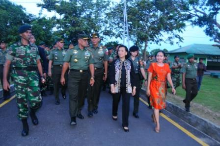 Panglima TNI Kunjungi Yonif 733/Raider dan Balai Budidaya Ikan di Ambon