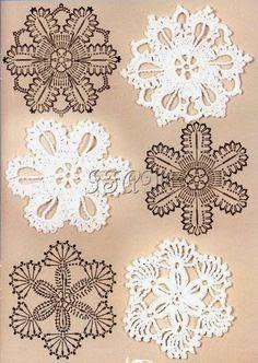 Apliques tejidos con ganchillo con motivos de cristales de hielo