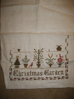 Stitching squad seasons of chessie harvest time for Christmas garden blackbird designs