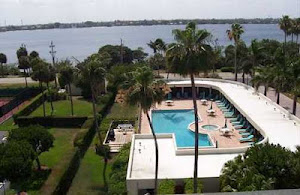 EMERAUDE, PALM BEACH: GORGEOUS WIDE INTRACOASTAL VIEWS