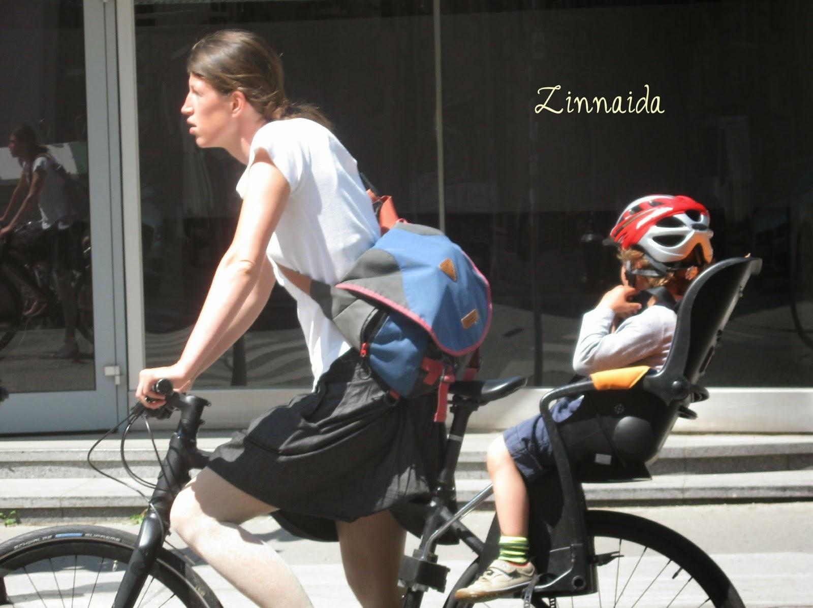 protectia-puiului-pe-bicicleta