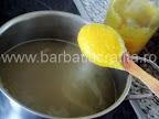Supa de chimen preparare reteta - punem legumele pasate in oala cu supa