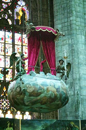 Duomo, simbolo di Milano. Storie, racconti, aneddoti, curiosità. Speciale turismo.