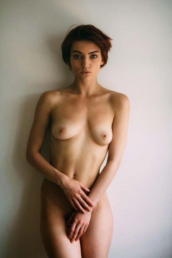 linda exótica modelo Jordan Ebbitt fotografia de Chi Yan para revista Yume.