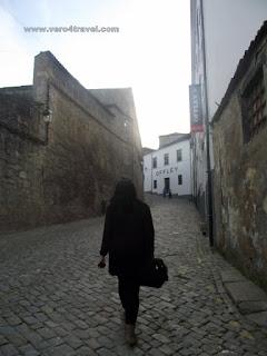 camino de las bodegas de Oporto en Vila Nova de Gaia