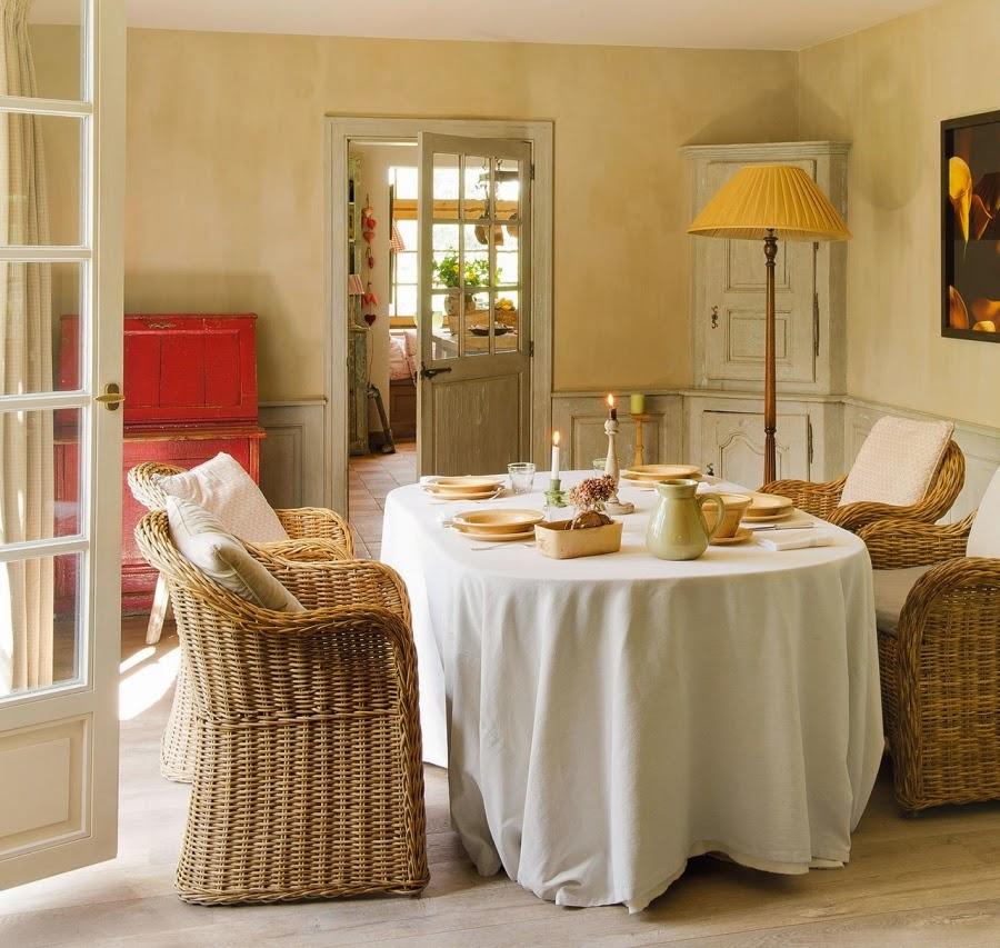 domek na wsi, wnętrza, dom, wystrój wnętrz, styl wiejski, styl rustykalny, jadalnia, ratanowe krzesła, ratanowe fotele