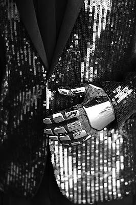 daftpunk, daft-punk, hedislimane, hedi-slimane, ysl, saintlaurent, saint-laurent, yves-saint-laurent, saint-laurent-paris, fashion-book, crfashionbook, fashionbook, musique, electro, electro-music, mode, fashion, mathieu-césar, sky-ferreira, glitter, sequins, smoking, tenue, helmet, costard, dessin, podium, du-dessin-aux-podiums, french-touch, RAM, random-access-memories
