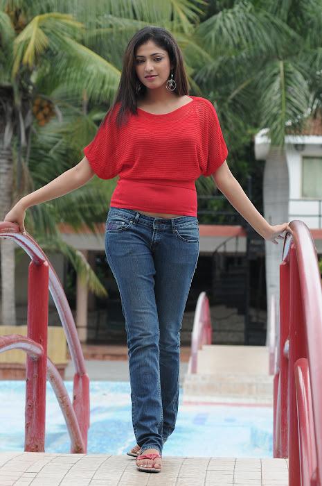 hari priya cute stills