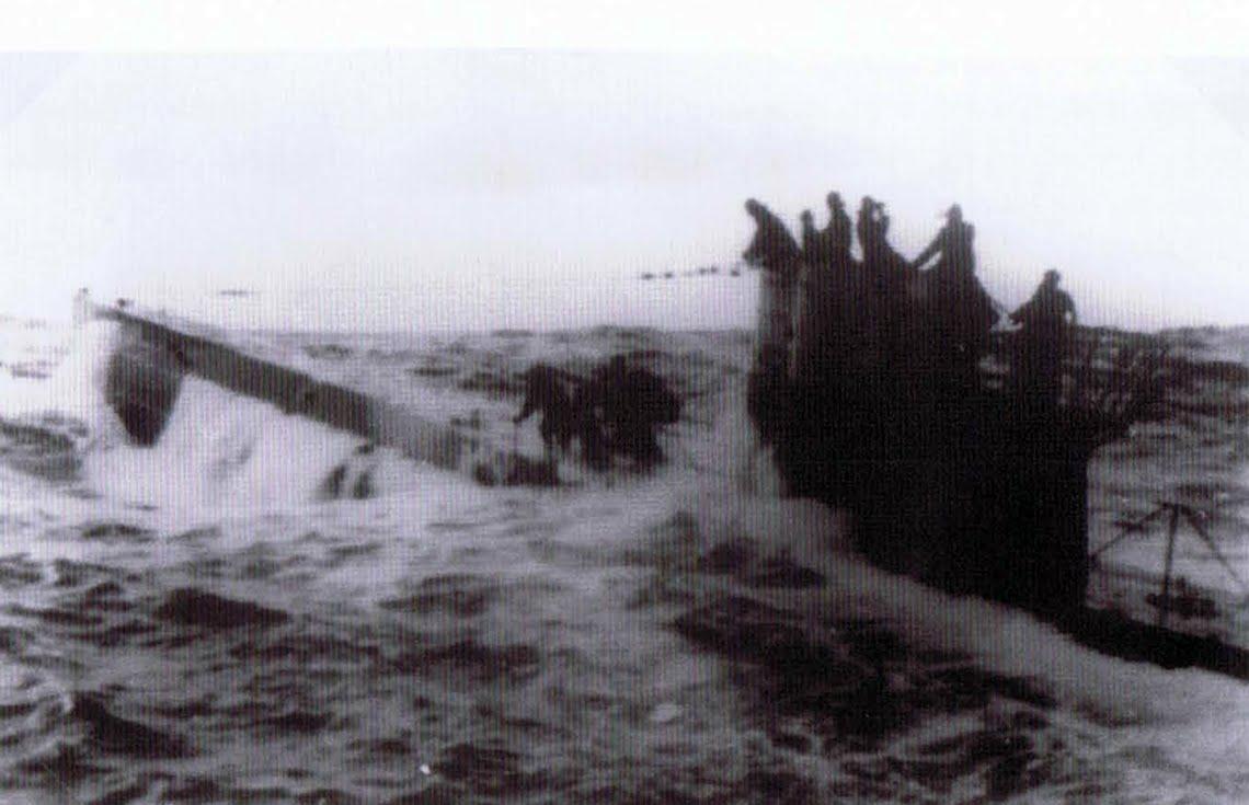 photos de sous-marin et de leur équipage File149