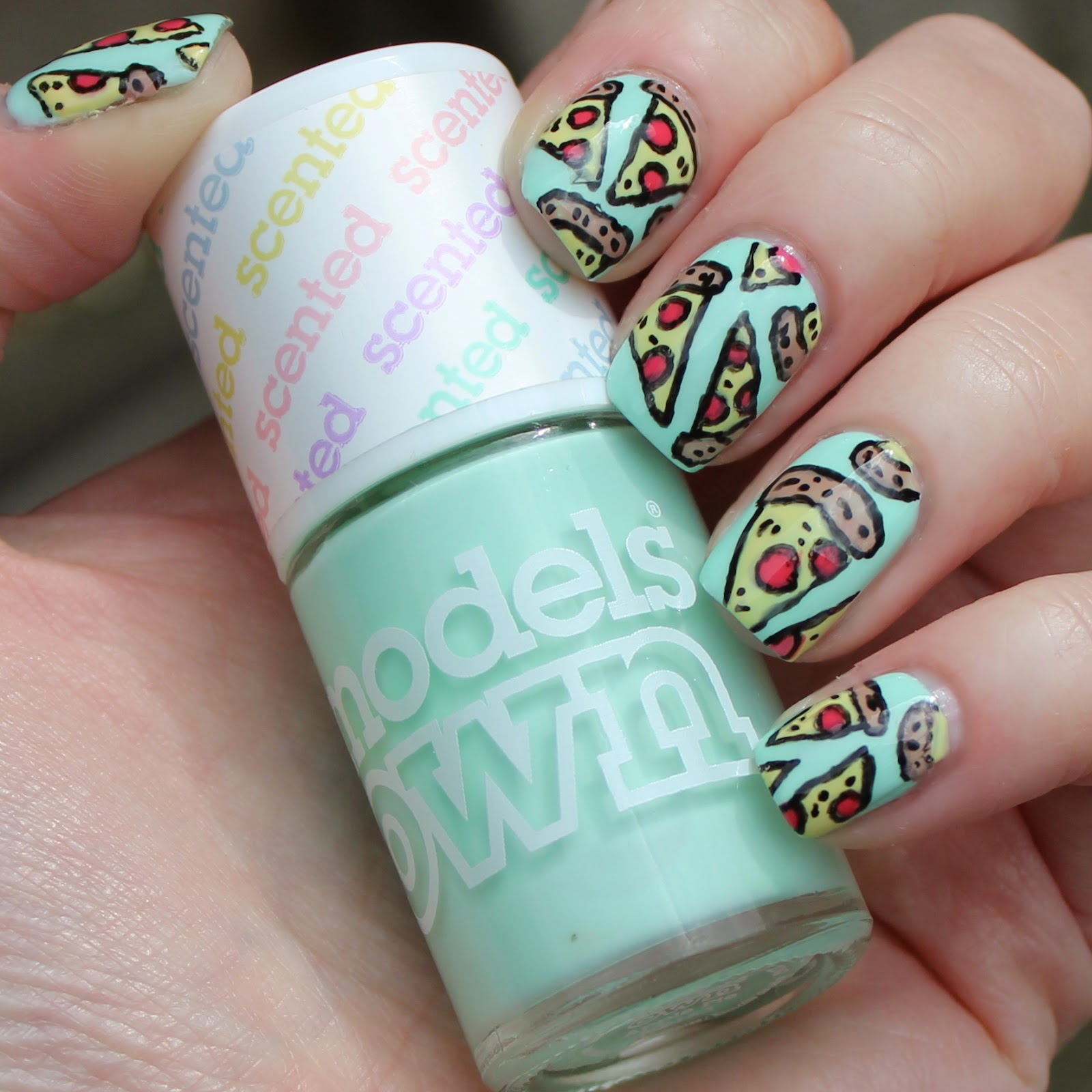 Dahlia Nails: When The Moon Hits Your Eye
