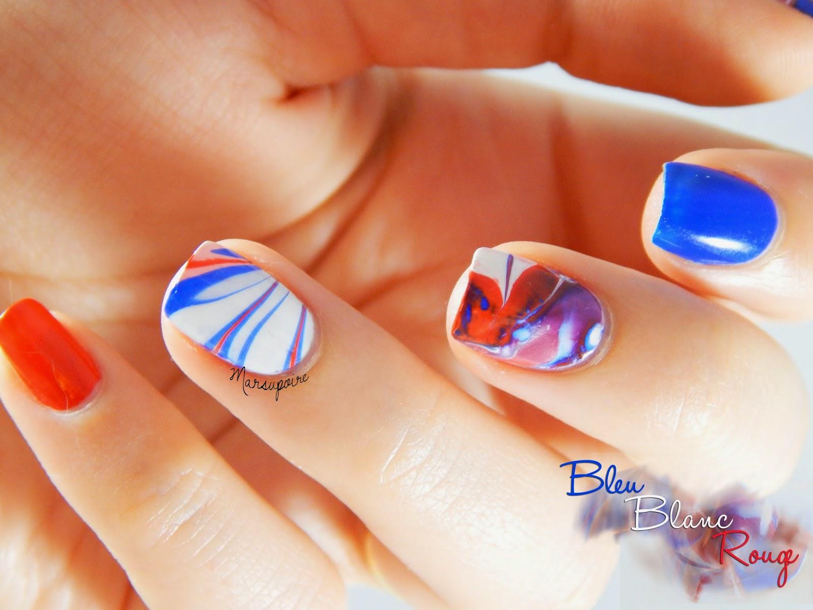 Nail art Watermarble bleu blanc rouge 5