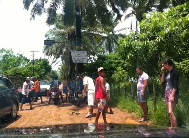 Cena ocorreu em rua de Barra Grande, no sul da Bahia. (Foto: Reginaldo Duarte/Divulgação)