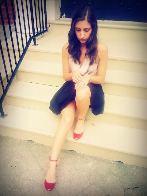 red shoes cowl neck black flared zara skirt girl fashion