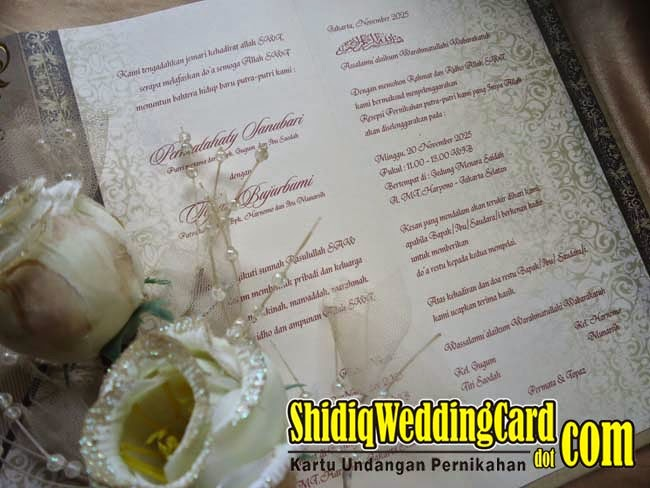 http://www.shidiqweddingcard.com/2015/05/hardcover-ac-37.html