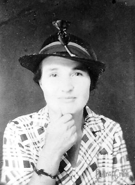 Retro Gran | Photo circa 1930s