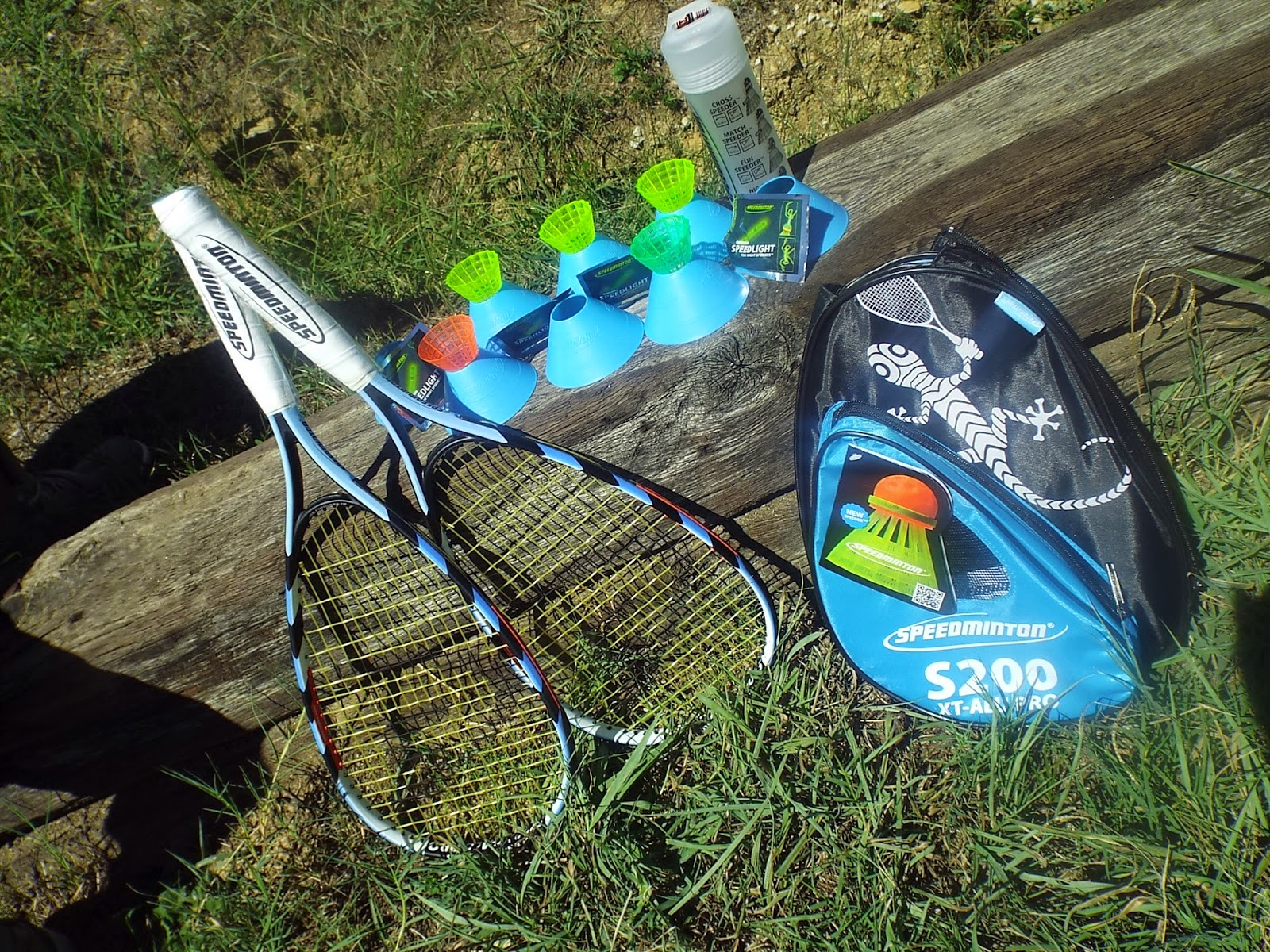 The complete Speedminton S200 set