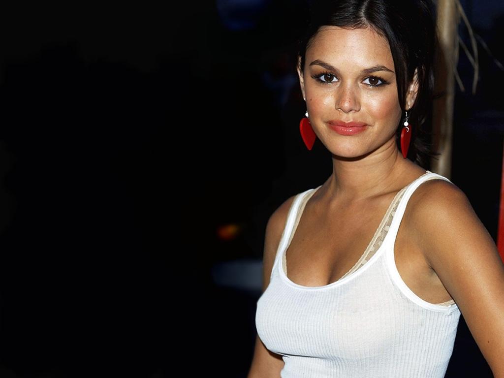 http://1.bp.blogspot.com/-TAf8-UafEz8/TeT-qBfmvkI/AAAAAAAAFJs/eWAThdIOiWI/s1600/rachel-bilson-shirt4.jpg