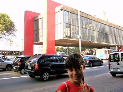 Avenida Paulista, com o Masp ao fundo.