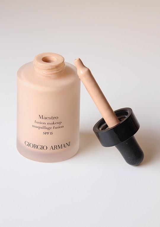 Maestro maquillaje Giorgio Armani