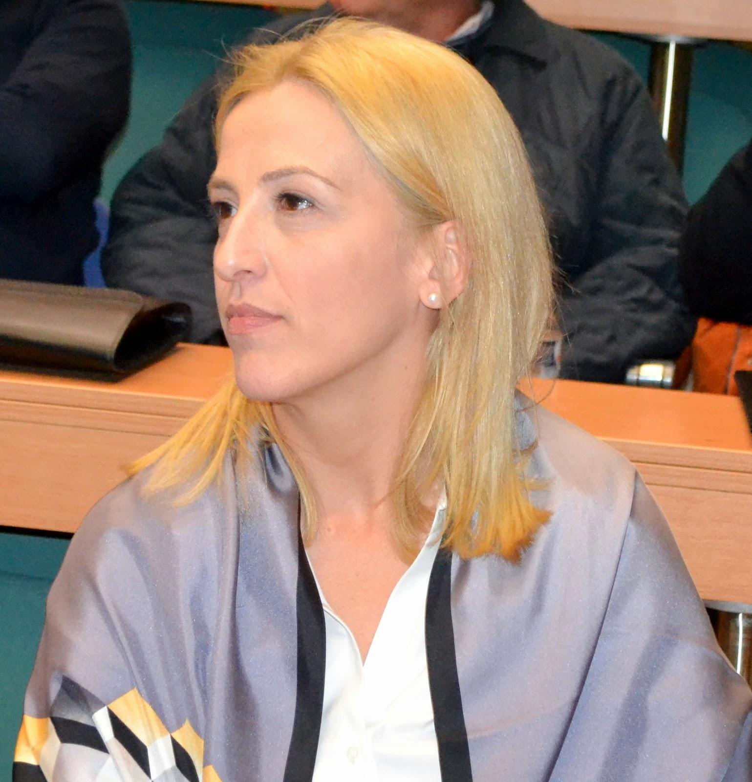 Ρένα Δούρου : «Tο νέο κοινωνικό συμβόλαιο για την Ευρώπη του αύριο»