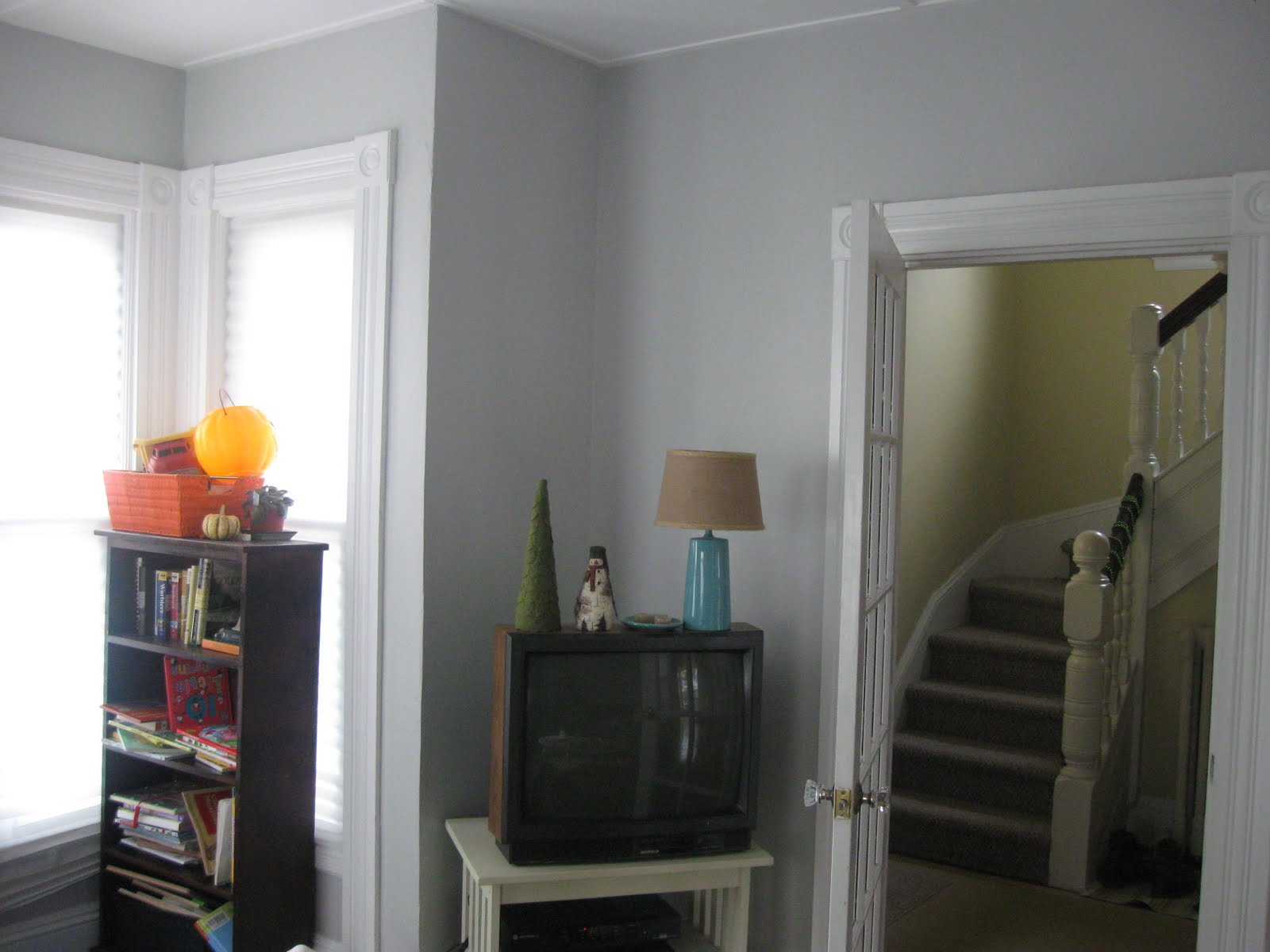 Green bicycle still being tortured - Benjamin moore stonington gray living room ...