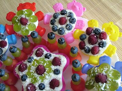 Pianka waniliowa z owocami