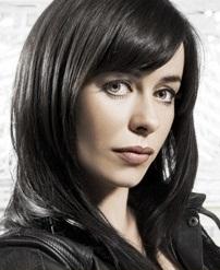Gwen Cooper, membro da equipe Torchwood, da série inglesa homônima