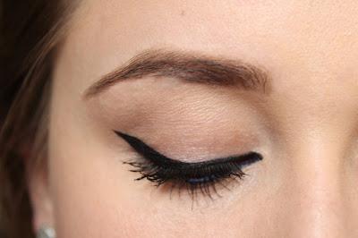 eyeliner mascara
