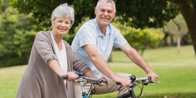 Pensiun atau Tetap Bekerja, Mana yang Lebih Sehat?