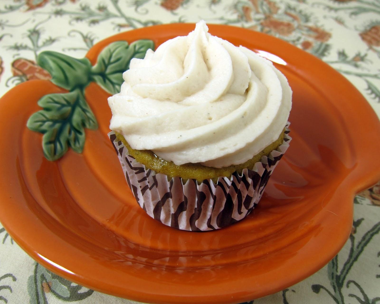Pumpkin Cupcakes with Apple Butter Buttercream | Plain Chicken